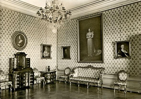 Комната аудиенций в Королевском замке.